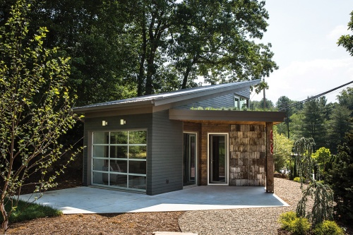 tiny-home-outside-2-rz